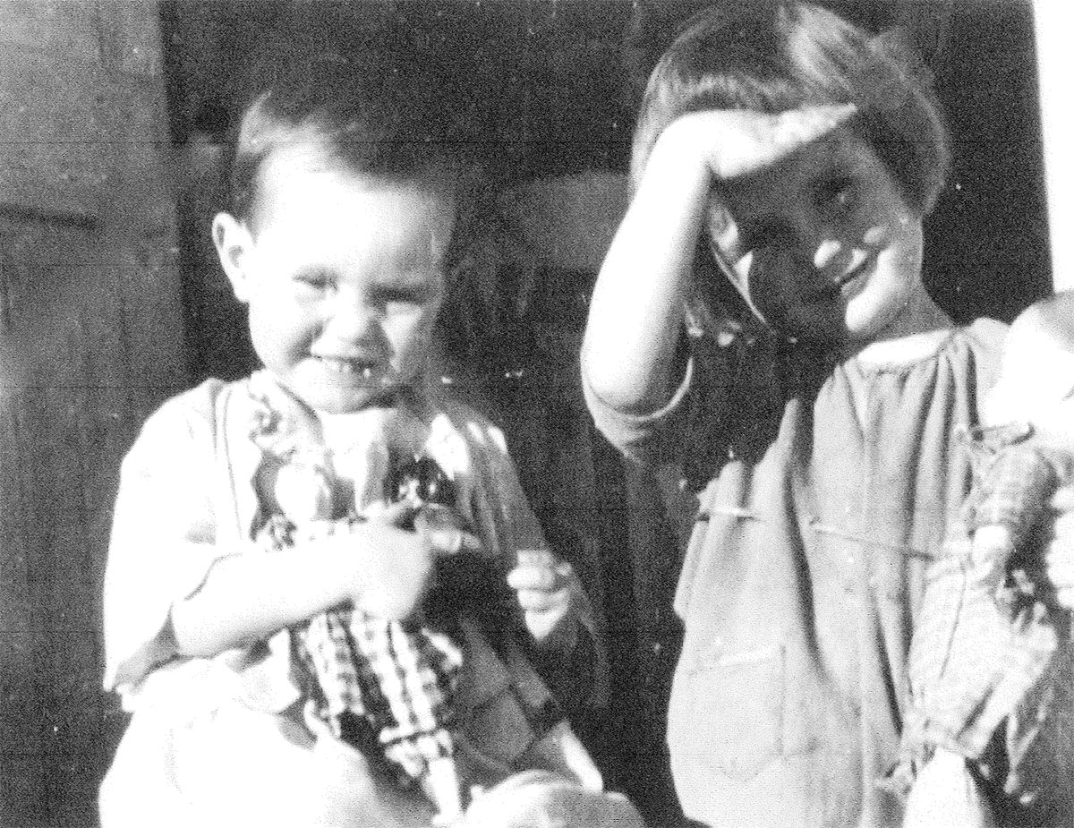 Peggy and younger sister Janet